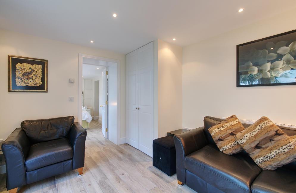 Garden Suite Lounge towards Bedroom